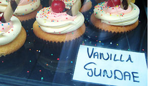 On-my-way-to-lunch…-these-cupcakes-caught-my-eye