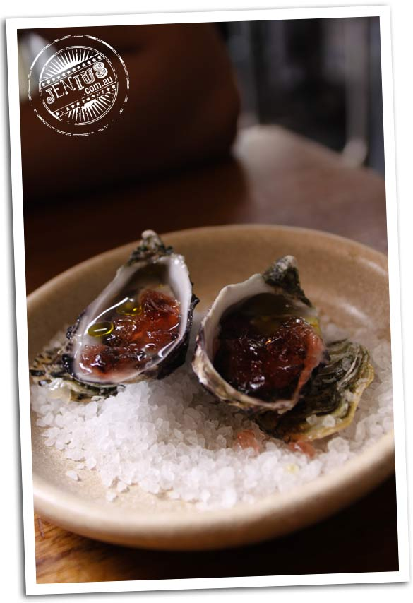 Movida Next Door, Melbourne - ostra, oysters chucked to order