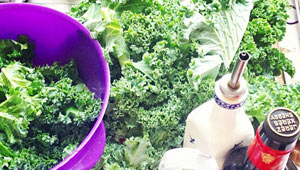 Healthy-eating-Kale-chips