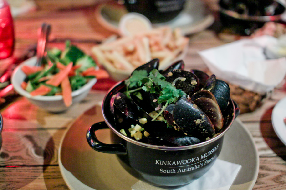 Bungalow 8 - All you can eat mussels