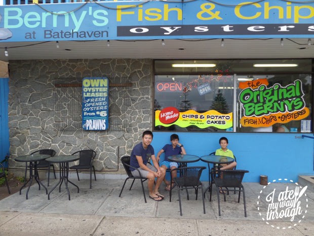 Outdoor seating at Bernys Fish and Chips, Batehaven