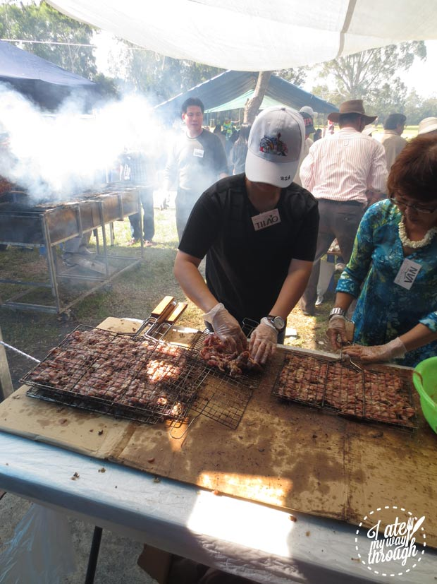 Ox tongue on the BBQ - VoviCare ganh hang tinh thuong Vietnamese charity lunch