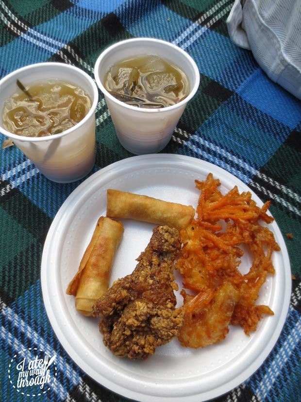 Fried chicken and spring rolls and sam bo luong - VoviCare ganh hang tinh thuong Vietnamese charity lunch