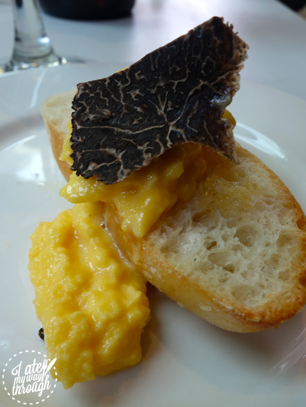 eggs; scrambled eggs; truffle; bread; truffles