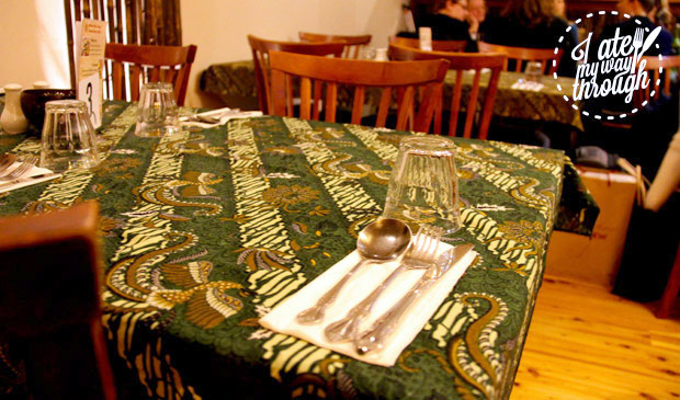 Printed table cloths in the restaurant