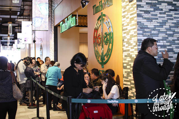 Diners lining up outside Tim Ho Wan Chatswood