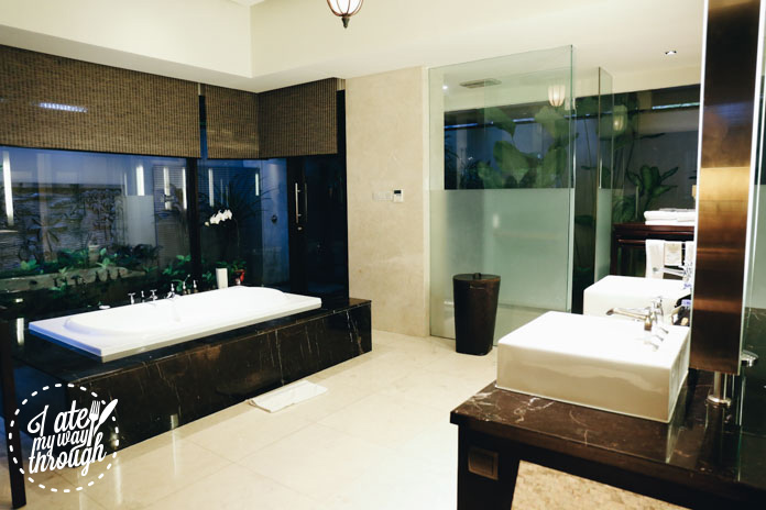 Marble bathroom with BOSE Stereo System throughout the entire villa