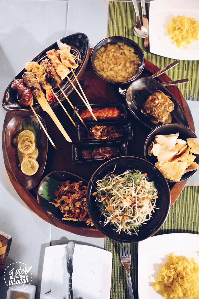 Balinese feast - jukut ares (banana trunk soup with baby pork ribs), urab bulung - seaweed salad, coconut and cold fish, bouillon dressing (Rp 60,000), satay campur and more!